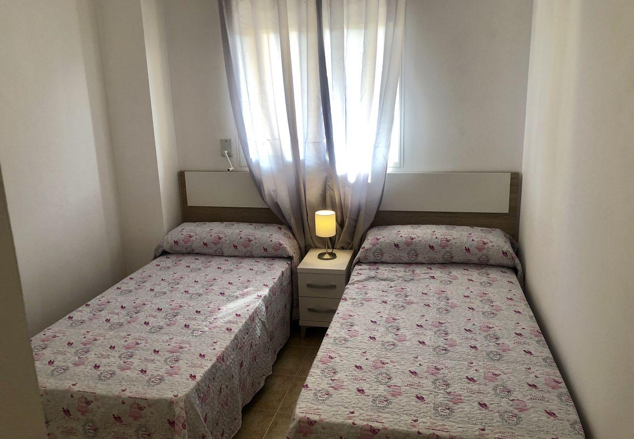 Appartement à Denia - Appartement idéal pour les familles avec aire de jeux, piscine et jardin