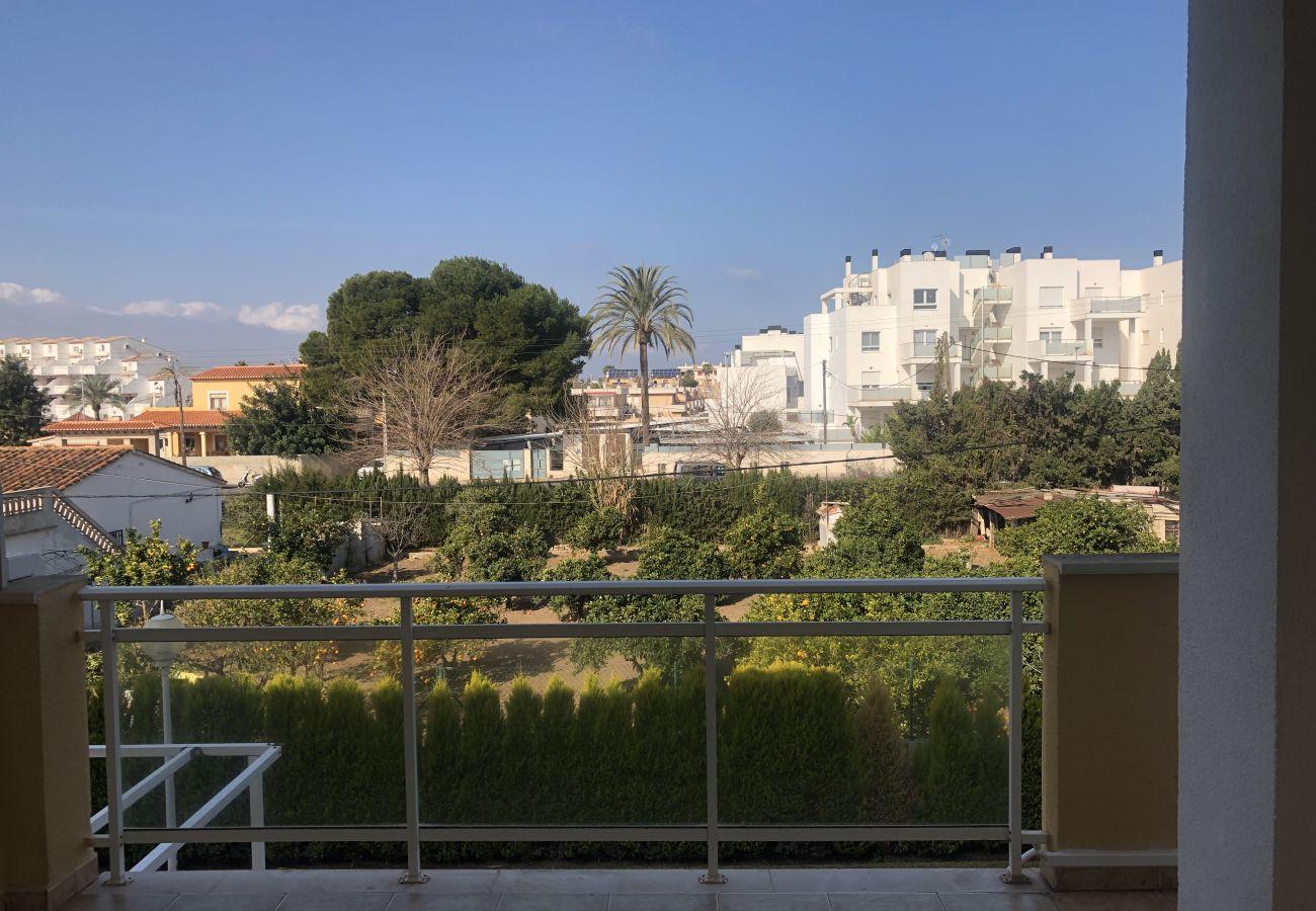 Apartamento em Denia - Apartamento ideal para familiascon parque infantil,piscina y jardin