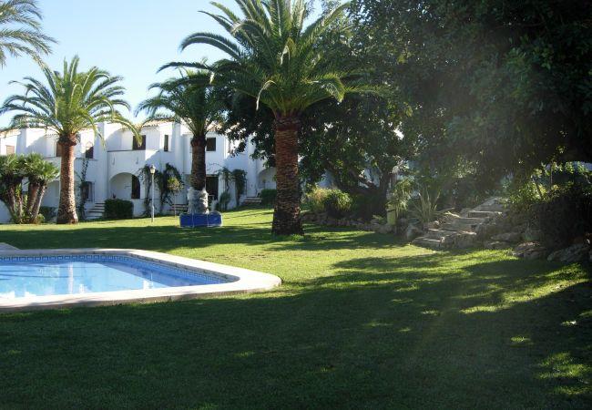 Bungalow em Pedreguer - Alojamiento con vistas al jardín y aire acondicionado en La Sella.