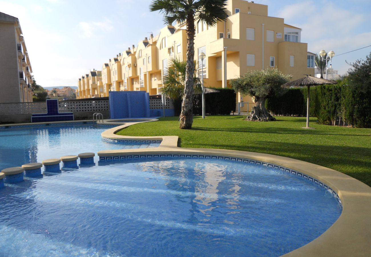 Apartment in Denia - Ideal apartment for families with playground, pool and garden